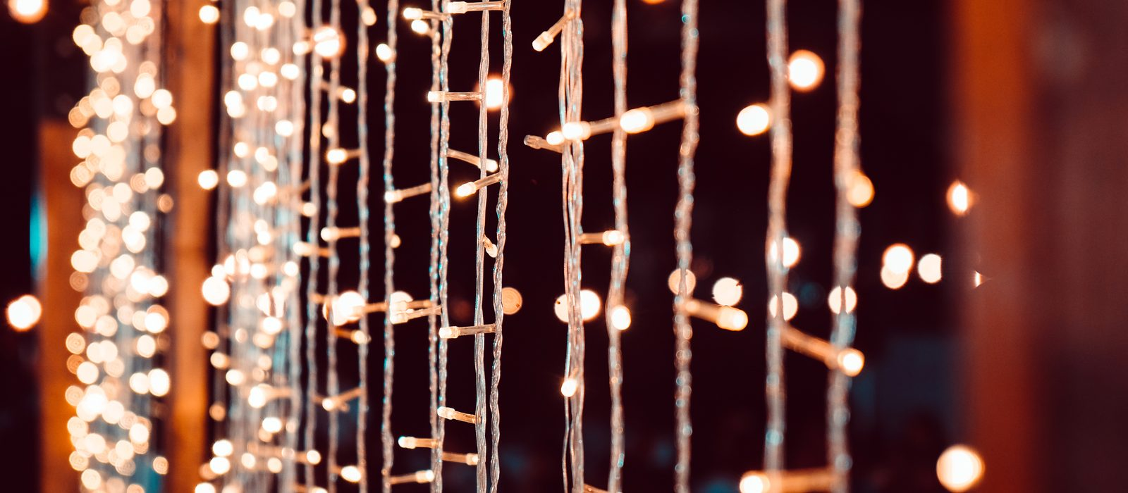 27781354_wedding-string-lights